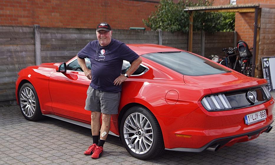 De man met de rode schoentjes
